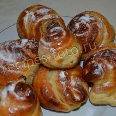 Булочки «розочки» с сахаром и корицей