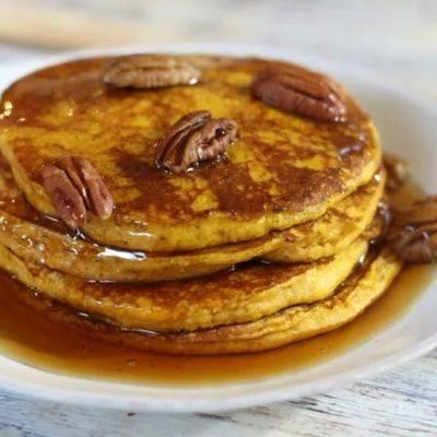 Панкейки для завтрака на кефире