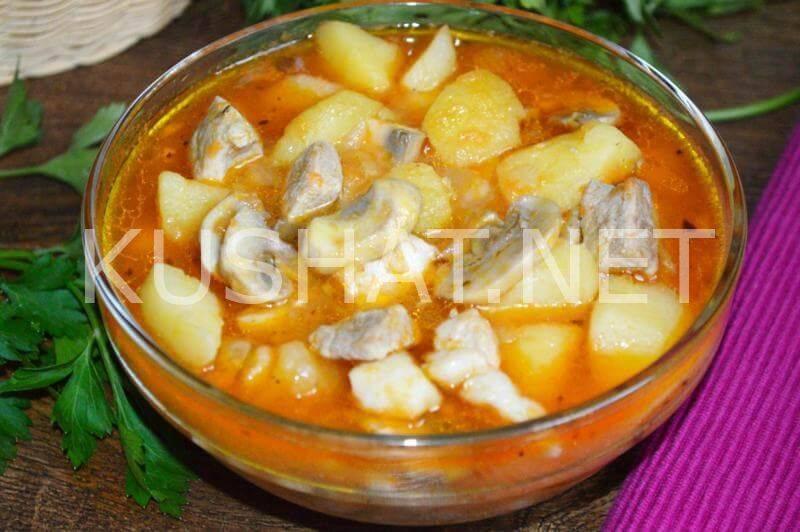 Универсальное блюдо: тушеная картошка с грибами
