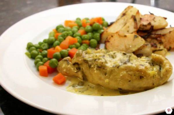 Куриные грудки в сливочном соусе карри и белом сухом вине