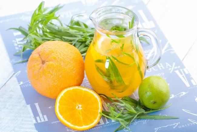 Клубничный лимонад с базиликом