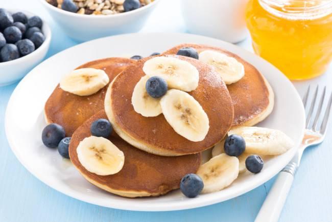 Банановые оладьи - 13 домашних вкусных рецептов приготовления