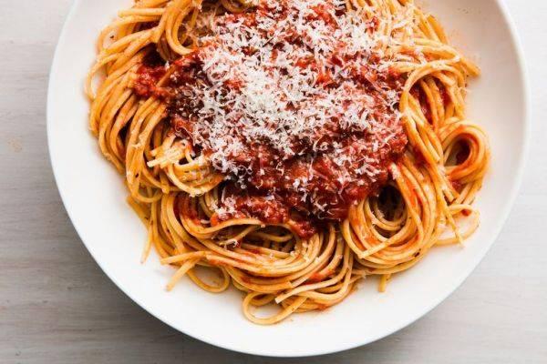 Домашний соус для макарон из маринованных помидоров