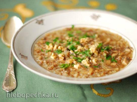 Кукурузный суп с креветками, сливками и сыром.