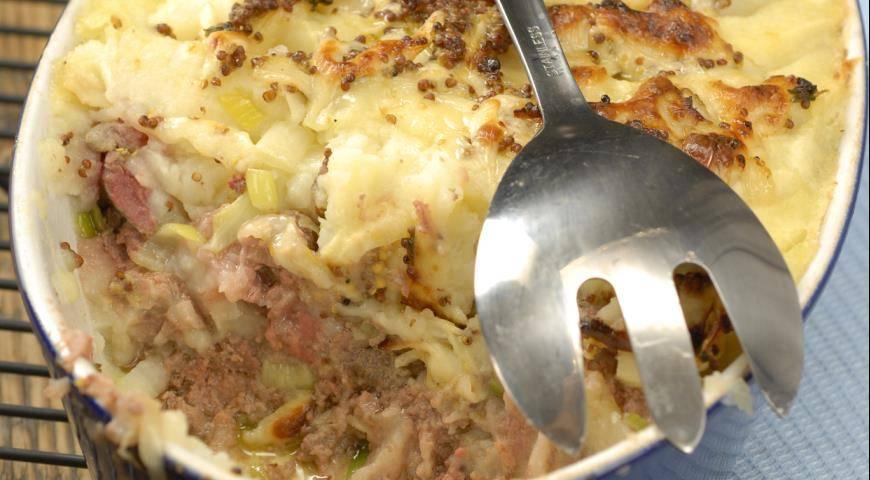 Запеканка картофельная с луком-пореем