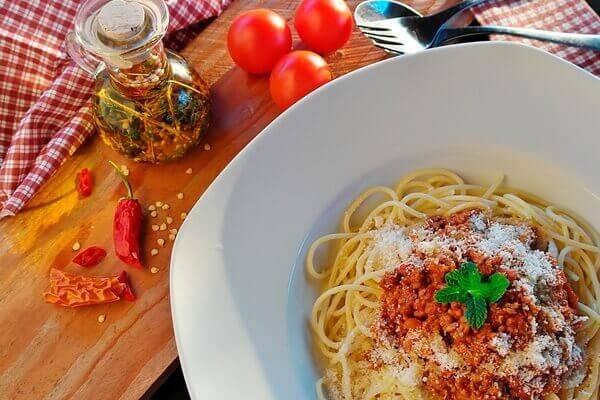 Запеканка с макаронами, брокколи и сыром