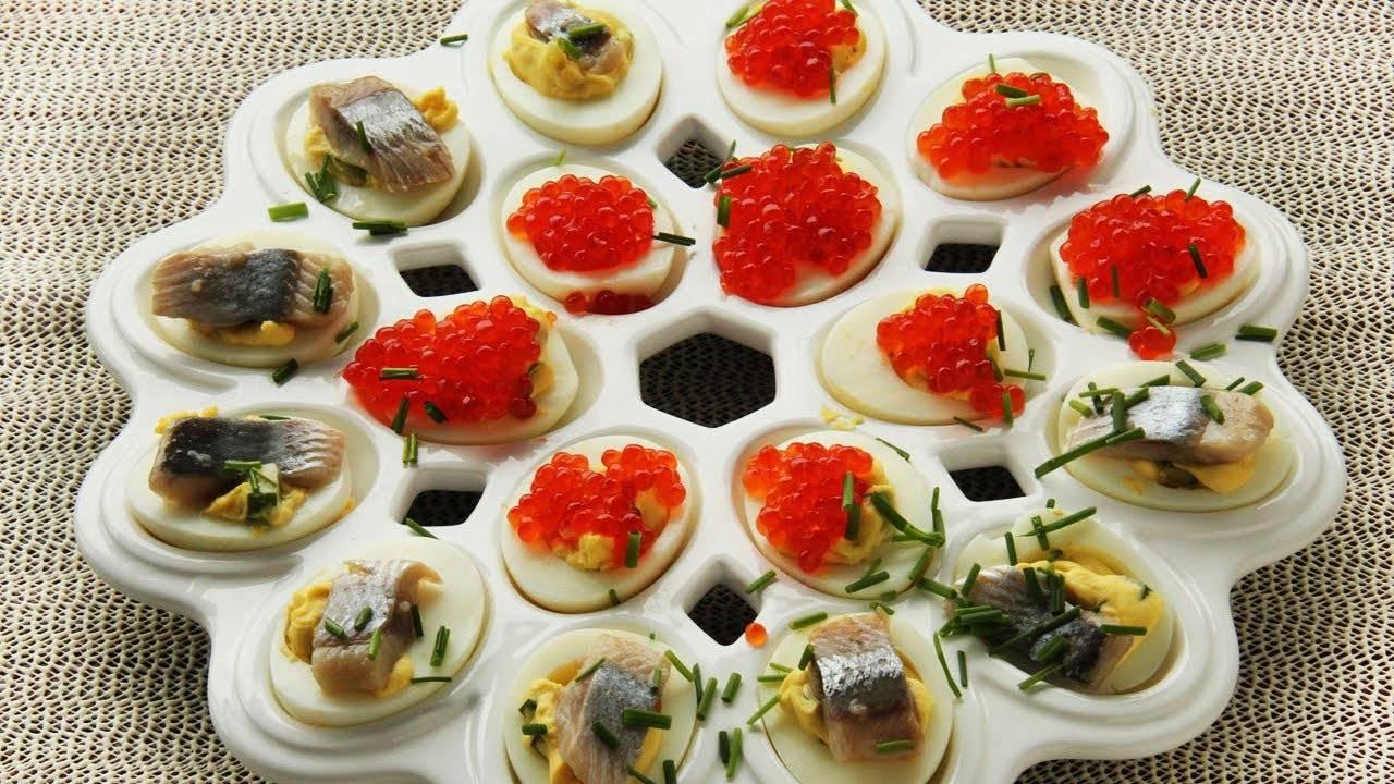 Изысканные фаршированные яйца с креветками