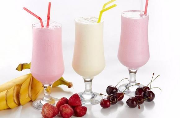 Лучшие рецепты молочных коктейлей для детей и взрослых