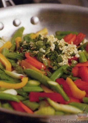 Как приготовить недорогой ужин: рис стир-фрай с овощами