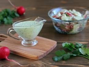 Как сделать вкусную клубничную заправку к салатам
