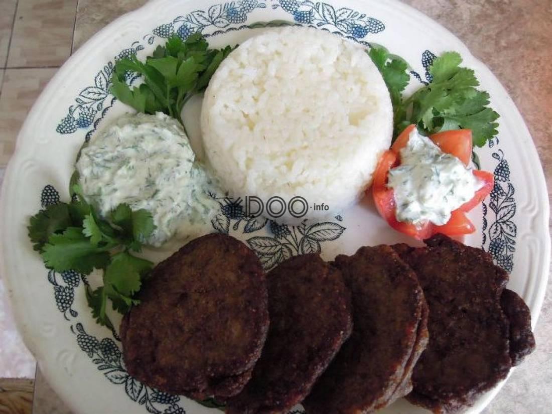 Оладьи из печени: 7 рецептов из куриной, свиной, говяжьей печени, с луком, морковью, манкой