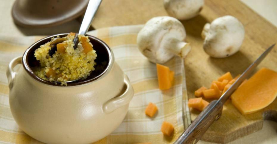 Кукурузная запеканка с грибами и шкварками