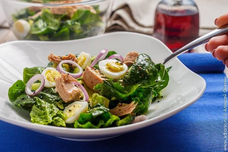Салат из шпината фруктово-ягодный