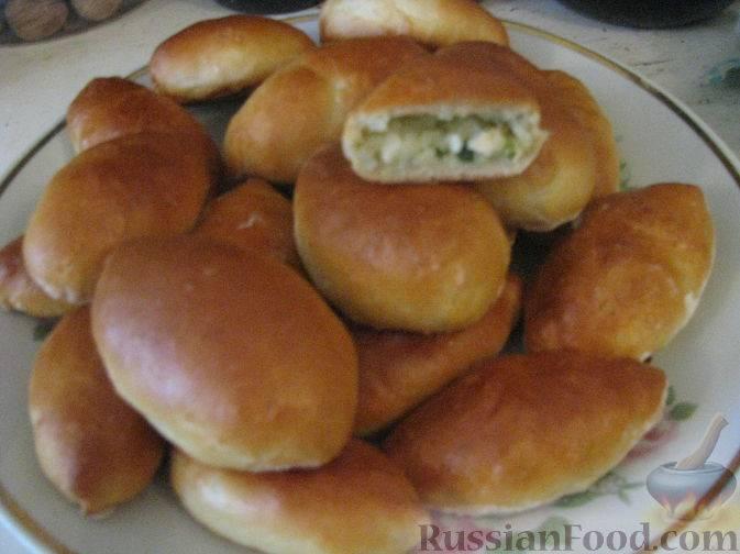 Пирожки с яйцом и репчатым луком - 18 пошаговых фото в рецепте