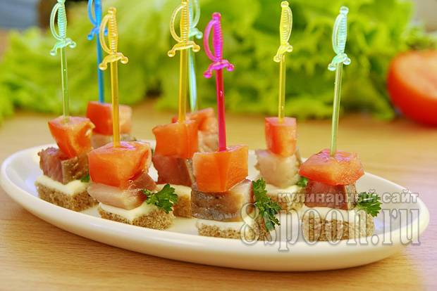 Канапе на шпажках — рецепты с фото закуски на праздничный стол