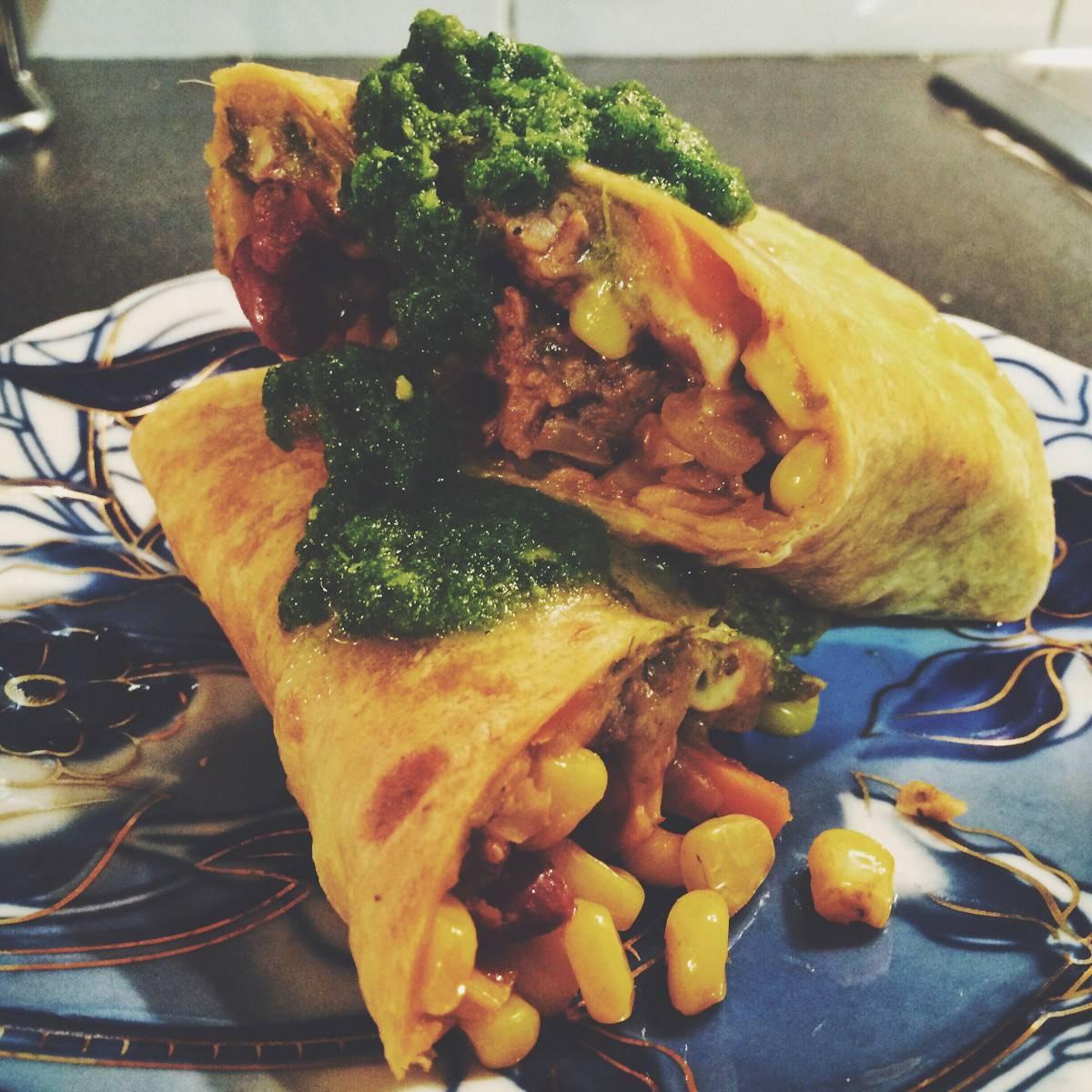 Рецепт буррито с курицей и фасолью или как приготовить буррито с фото пошагово