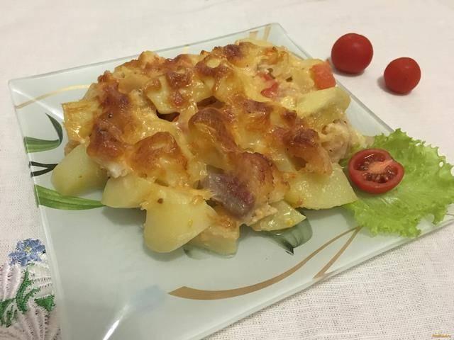 Пангасиус с картофелем и помидорами в микроволновке