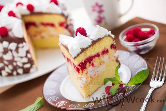 Торт с малиной - интересные идеи приготовления и украшения десерта с ягодами