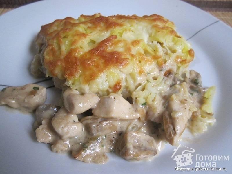 Запеканка из картофельного пюре с грибами и курицей