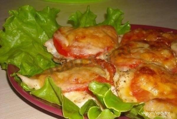 Рецепты вкусного запечённого куриного филе с сыром, помидорами и грибами