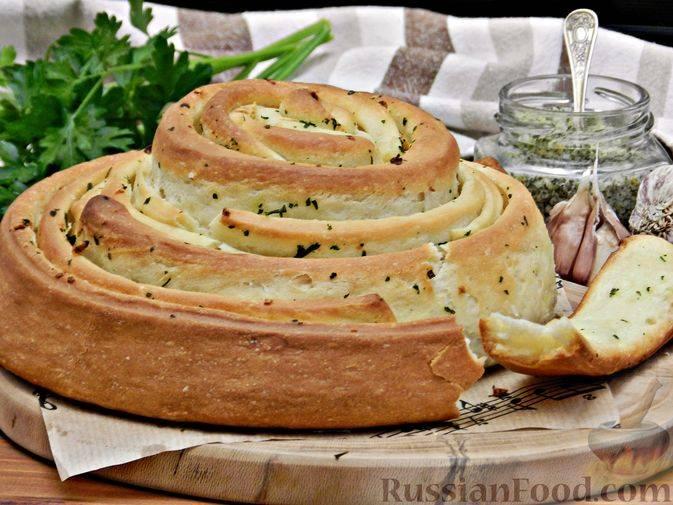 Деревенский хлеб с укропом и луком
