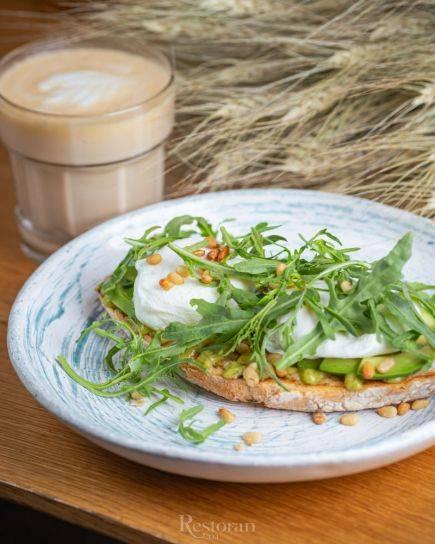 Egg guru — первый про яйца. scramble eggs - омлет, приготовленный по-американски