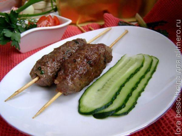 Идеальное горячее мясное блюдо - сочный люля для пикника
