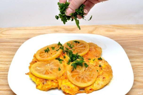 Запеченная курица с лимоном и картофелем