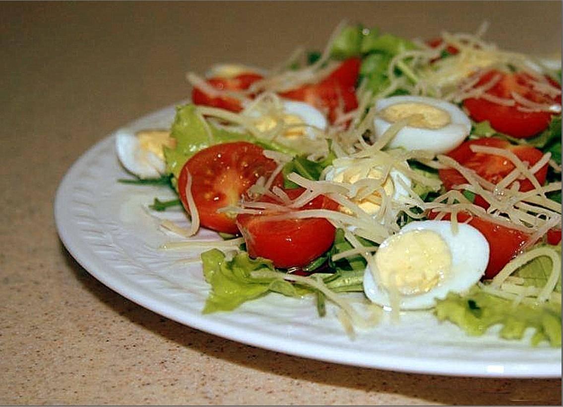 Помидоры, фаршированные яйцами - 6 пошаговых фото в рецепте