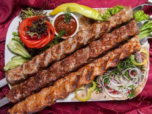 Люля-кебаб из свинины в домашних условиях: рецепты, особенности приготовления - onwomen.ru