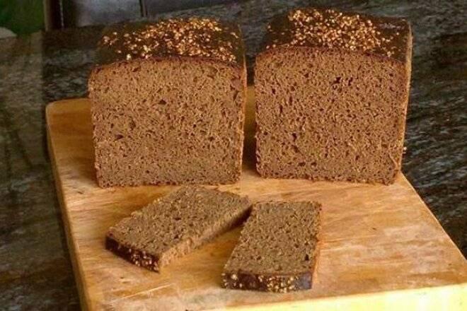 Хлеб из ржаной муки с чесноком