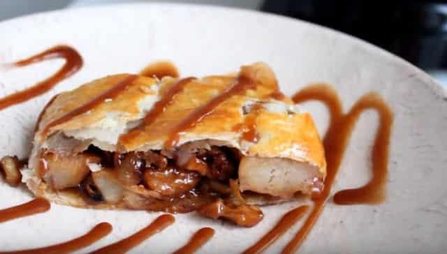 Как приготовить постный штрудель из лаваша с яблоками в духовке: рецепт с фото