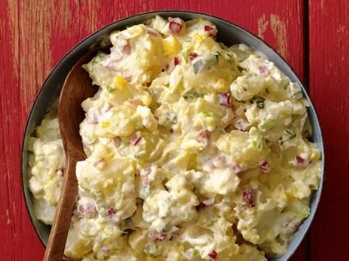Салат с курицей карри и изюмом