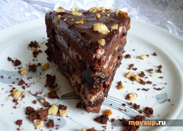 Шоколадный торт с черносливом в домашних условиях