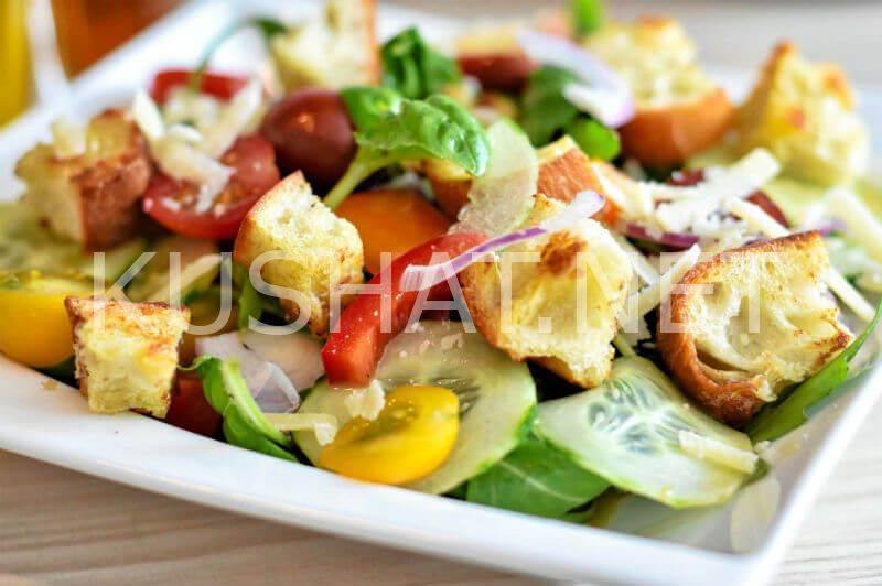 Панцанелла-итальянский хлебный салат