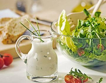 Соус ранч – классический, без майонеза, с авокадо, сливками и чесноком