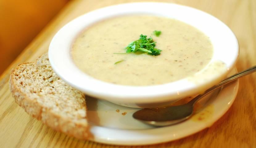 Чесночная похлебка - национальное чешское блюдо, простое и вкусное