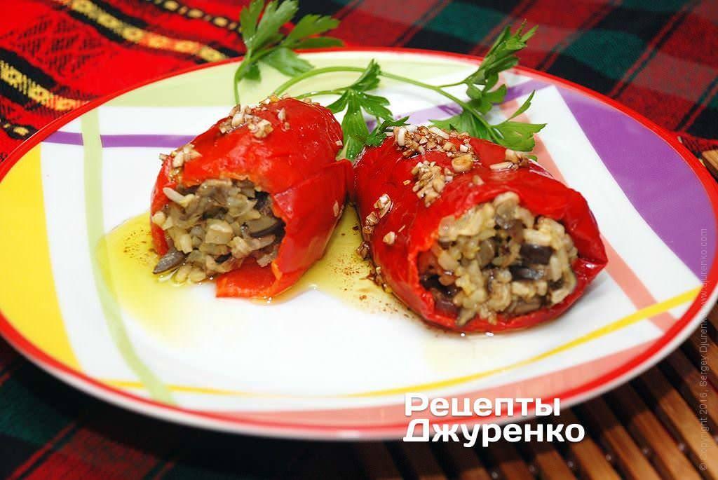Ракушки с фаршем, кабачками и помидорами