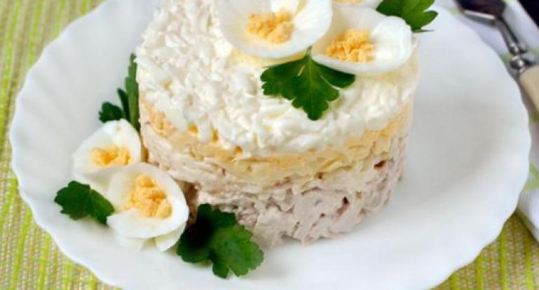 Интересный майонезный соус для праздничных салатов