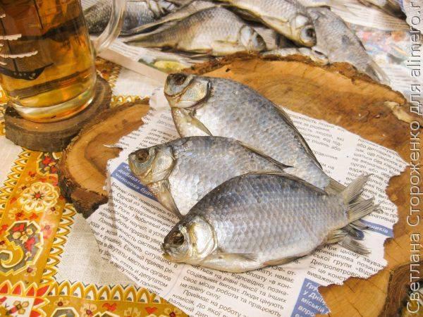 Cушеная рыба карась