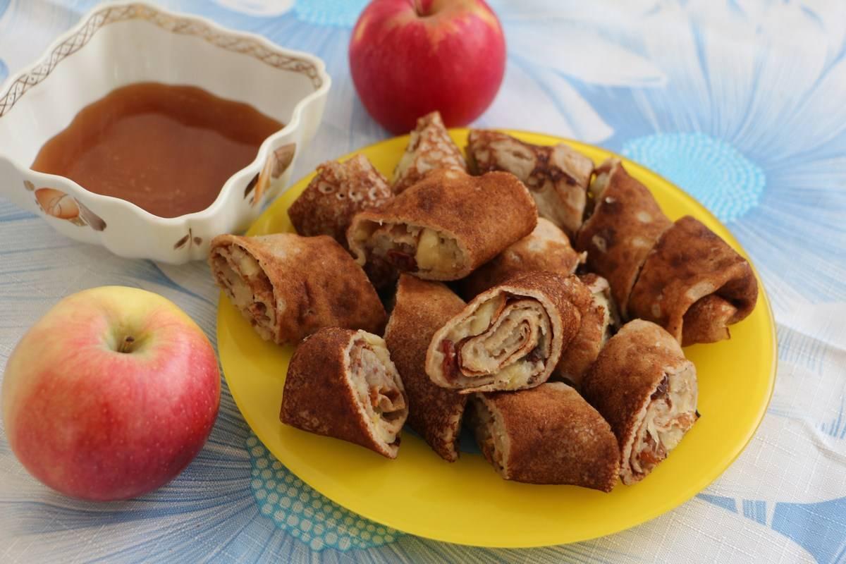 Необычные блинчики с яблоками