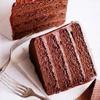 Домашние шоколадные торты с клубникой