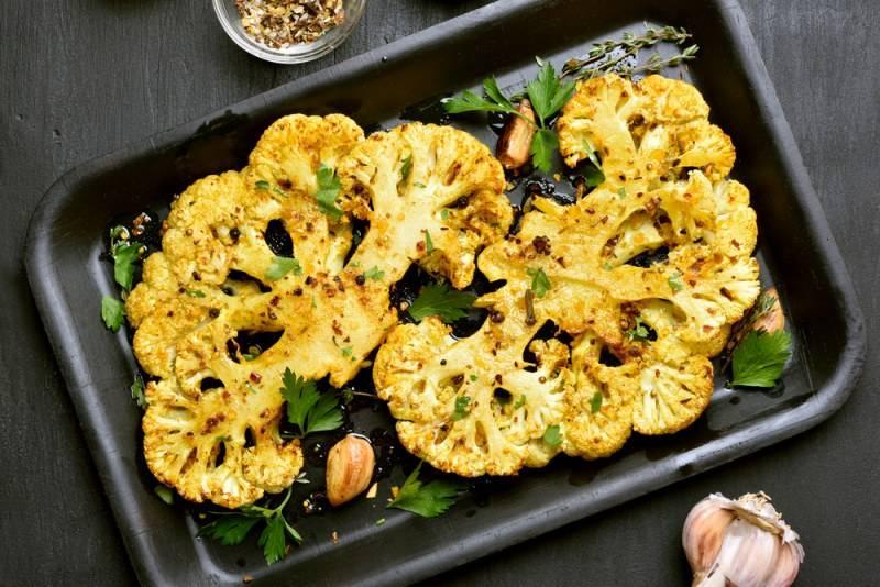 Диетическая цветная капуста в духовке: пошаговая инструкция по приготовлению запеченного блюда, а также рецепты его вариантов и фото сервировки
