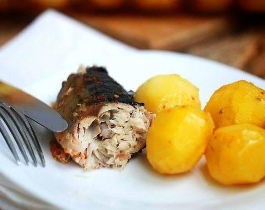 Как приготовить скумбрию в духовке с картошкой