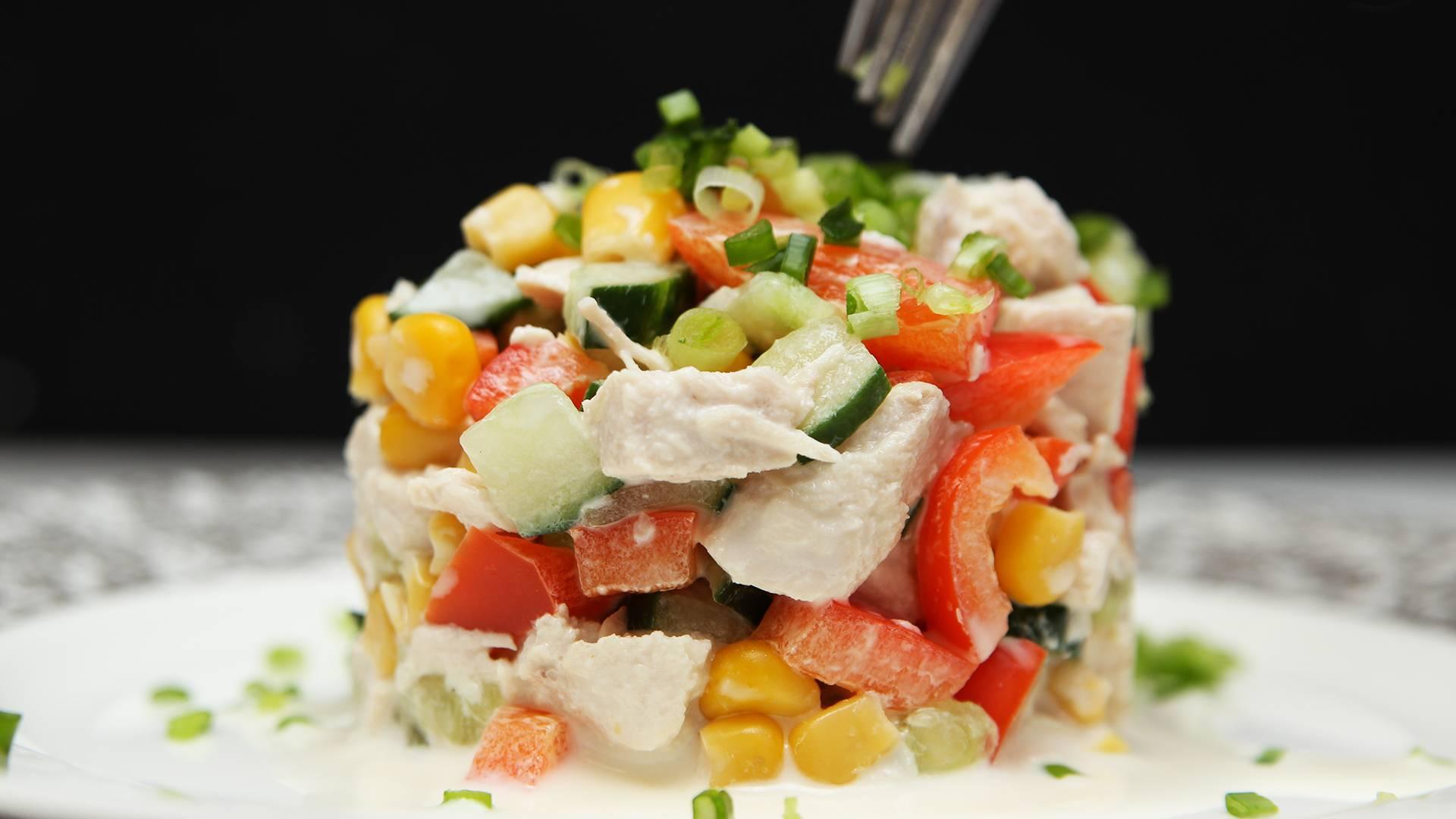 Салат с куриной грудкой – 15 вкусных рецептов