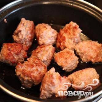 Как приготовить тефтели с грибным соусом и картофелем по-деревенски — простой домашний рецепт с пошаговыми фото