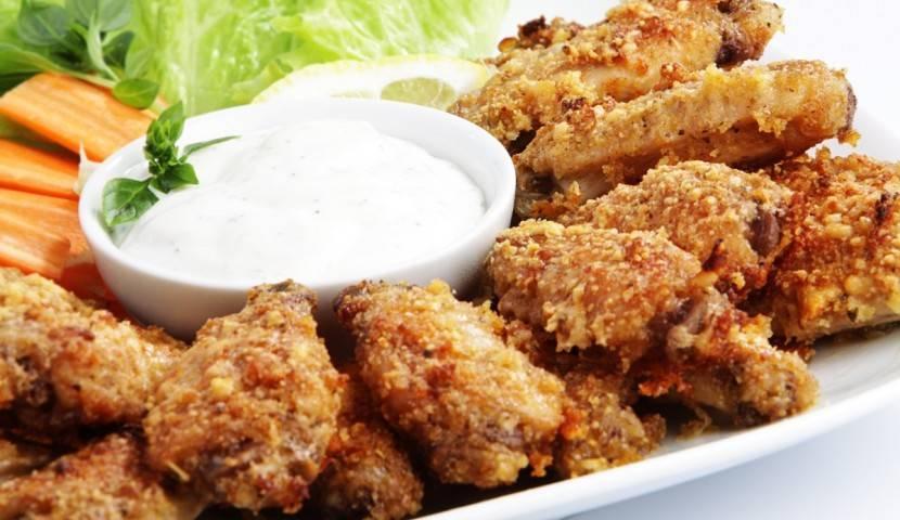 Крылышки куриные в духовке — очень вкусный рецепт, с хрустящей корочкой