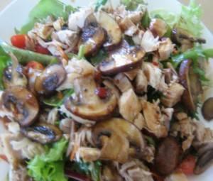 Салат с курицей и кукурузой - 85 домашних вкусных рецептов приготовления