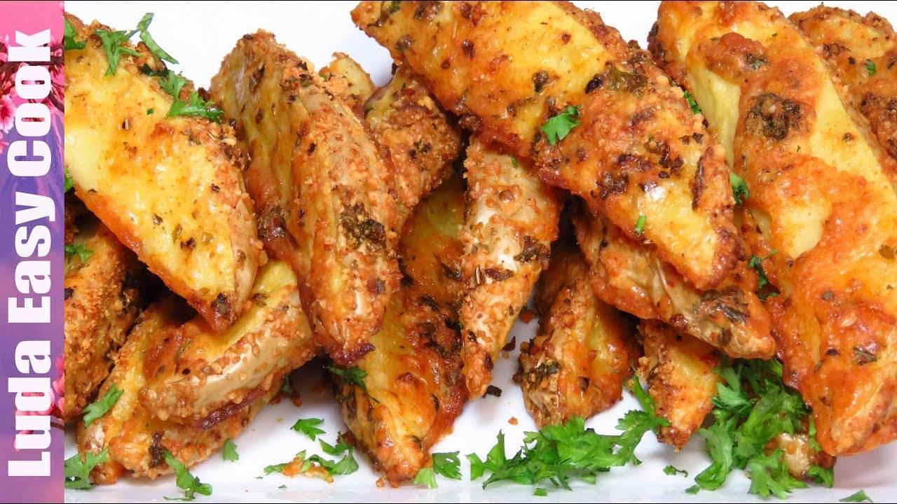 Картошка с сыром и чесноком в духовке