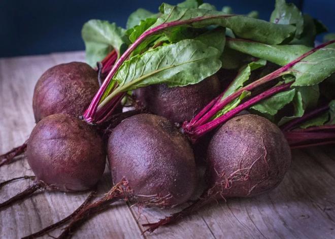 Как запечь свеклу в духовке — 5 рецептов